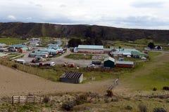 Le centre de village de Cameron de la municipalité de Temaukel Tierra del Fuego photographie stock libre de droits