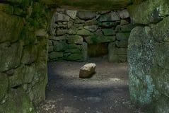 Le centre du fogou au cairn Euny, les Cornouailles photos stock