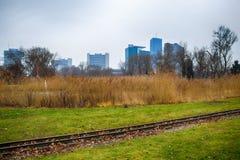 Le centre international de Vienne vu est Donaupark Photos libres de droits