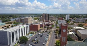 Le centre ville Alexandria Louisiana Rapides Parish Etats-Unis de vue aérienne banque de vidéos
