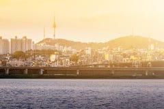 Le centre ville et n Séoul de ville de Séoul dominent dans le coucher du soleil, concept de voyage, Images libres de droits
