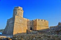 Le château dans Isola di Capo Rizzuto, Calabre, Italie photographie stock libre de droits