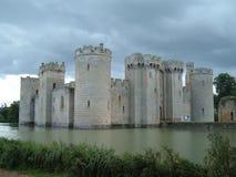 le château de bodium opacifie la tempête dessous Image stock