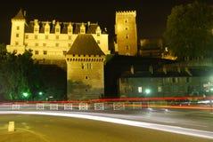 Le château de Pau de nuit Images stock