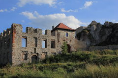 Le château de Rabsztyn ruine la Pologne. Photos stock