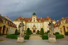 Le château de Valtice dans la République Tchèque, la ville a été fondé dans le 13ème centure Photos stock
