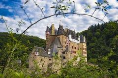 Le château Eltz est un château absolument renversant de forteresse d'Allemand Photos libres de droits