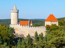 Le château gothique médiéval Kokorin, Kokorinsko a protégé la zone de paysage, République Tchèque Photo libre de droits