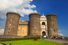29 04 2016 - Le château médiéval de Maschio Angioino ou de Castel Nuovo (nouveau château), Naples Photo stock