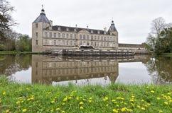 Le château médiéval de salissent en Bourgogne, France Photo stock