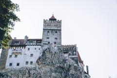 Le château médiéval du son Voyage et vacances vers l'Europe, visite beau jour ensoleillé, l'espace de copie Brasov, la Transylvan photos libres de droits