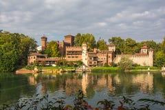 Le château médiéval sur le fleuve Pô, Turin Image libre de droits