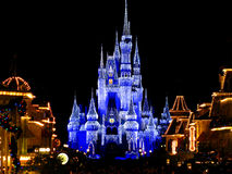 Le château magique de royaume de Disneyworld allume 1 Photographie stock libre de droits