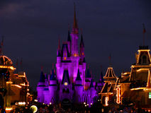 Le château magique de royaume de Disneyworld allume 4 Photo stock