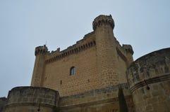 Le château merveilleux de Sajazarra a spectaculairement préservé le tir latéral Architecture, art, histoire, voyage Image stock