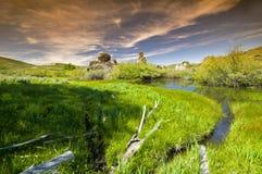 Le château oscille le ciel bleu et le flot de l'Idaho Photographie stock libre de droits