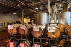 Le chêne Barrels - Samuel Adams Brewery Tour - Boston, mA Image libre de droits