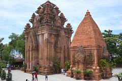 Le Cham de PO Nagar domine dans Nha Trang, Vietnam Photos stock