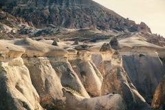 Le champignon a formé la formation de roche féerique de cheminées en vallée de Pasabag Photos stock