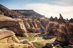 Le champignon a formé la formation de roche féerique de cheminées en vallée de Pasabag Images stock