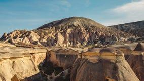Le champignon a formé la formation de roche féerique de cheminées en vallée de Pasabag Photographie stock libre de droits