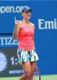 Le champion Angelique Kerber de Grand Chelem de l'Allemagne célèbre la victoire après son match de quarts de finale à l'US Open 2 Images stock