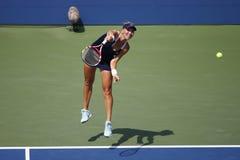 Le champion Elena Vesnina de Grand Chelem de Russie pendant le quart de finale double le match à l'US Open 2014 Images stock