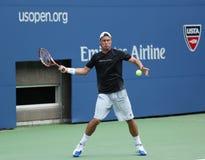 Le champion Lleyton Hewitt de Grand Chelem de deux fois pratique pour l'US Open 2013 chez Arthur Ashe Stadium chez Billie Jean Kin Photo stock