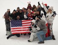 Le champion olympique Shaun White célèbre la victoire avec la famille et les amis dans le ` s d'hommes font du surf des neiges la Photos libres de droits