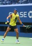 Le champion Rafael Nadal de Grand Chelem de quinze fois de l'Espagne pratique pour l'US Open 2017 Images stock