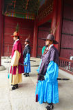 Le changement de cérémonie des gardes au complexe de palais de Gyeongbokgung à Séoul, Corée Image stock