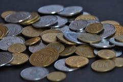 Le changement ukrainien de dénominations et les pièces de monnaie de circulation Photographie stock libre de droits