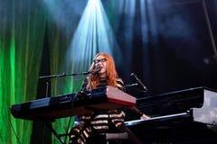 Le chanteur, le compositeur, le pianiste et la compositrice de Tori Amos exécute au bruit 2015 de Primavera Photos stock