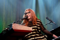 Le chanteur, le compositeur, le pianiste et la compositrice de Tori Amos exécute au festival 2015 de bruit de Primavera Photo libre de droits