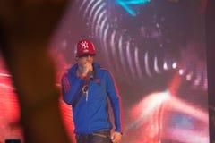 Le chanteur J Jetrin sur l'étape 06 2014 chez Pataya Thaïlande Photographie stock