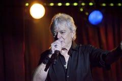 Le chanteur Russell Hitchcock de l'air exécute à B B parents Image stock