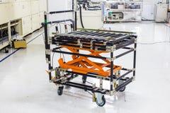 Le chariot utilisé dans l'industrie électronique ont la décharge se reliante d'électricité statique Photo libre de droits