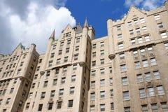 Le Chateau Apartments en la calle de Sherbrooke, Montreal fotos de archivo
