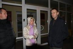 le Chef d'opposition Alexei Navalny est arrivé dans Khimki pour soutenir le candidat Yevgeny Chirikova d'opposition Photo stock
