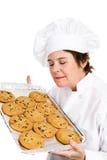 Le chef fait des biscuits cuire au four photographie stock libre de droits