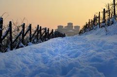 Le chemin au château de Torrechiara couvert par la neige Images stock