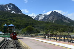 Le chemin de fer le plus le plus au sud dans le monde au bord de la terre Photographie stock libre de droits