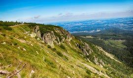 Le chemin des montagnes de géant de République Tchèque d'amitié de Tchèque-poli Images libres de droits