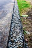 Le chemin différent de la roche et de la pelouse Images stock
