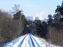 Le chemin du chemin de fer Les passages ferroviaires par de beaux paysages D?tails et plan rapproch? photographie stock