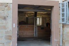 le cheval à la ferme de goujon au mois de ressort peut en Allemagne du sud Co rurale image libre de droits