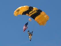 Le chevalier d'or de l'armée américaine Avec la vieille gloire Photo stock