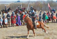 Le chevalier sur un cheval Photographie stock libre de droits
