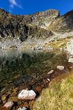 Le chiare acque dei laghi Elenski e Malyovitsa alzano, montagna di Rila Fotografia Stock Libera da Diritti