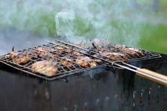 Le chiche-kebab est fait frire Photos stock
